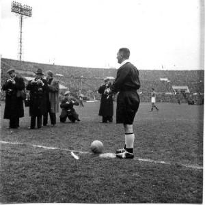 Советский футбольный судья